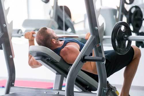 Les 4 Meilleurs Exercices Pour Muscler Le Haut Des Pecs